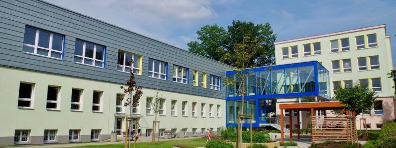 Nástavba učeben a stavební úpravy objektu školní družiny a jídelny ZŠ a MŠ Dělnická, Karviná